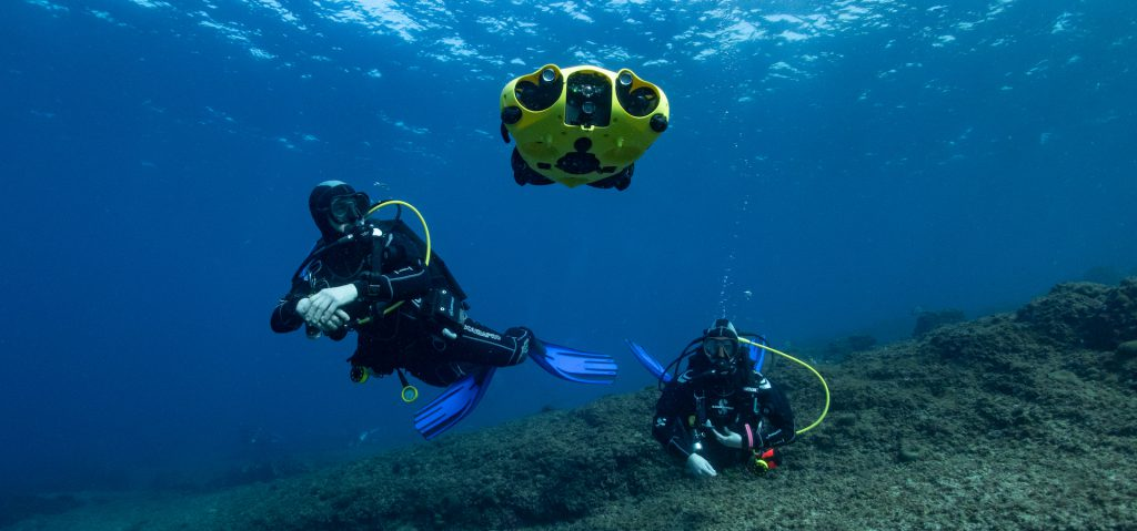 An underwater vehicle that follows divers and films them. (Credit: <a href='https://ibubble.camera/' target='_blank' rel='noopener noreferrer'>iBubble, Anais Dominici</a>)